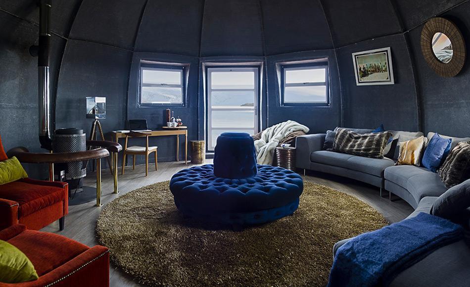 White Desert ist ein Luxushotel in der Antarktis. Es besteht bereits seit 10 Jahren, wurde aber vor kurzem völlig neu renoviert. Die Gäste können in beheizten Fieberglas-Halbkugeln übernachten, die geschmackvoll eingerichtet sind, aussen die Antarktis, innen Luxus pur. Bild: White Desert