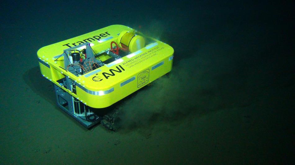 """Das AUV """"Tramper"""" ist ein autonomes Unterwasserfahrzeug und wird ein ganzes Jahr im Tiefseegebiet """"Hausgarten"""" des AWI im Arktischen Ozean verbringen Picture: Team GEOMAR"""